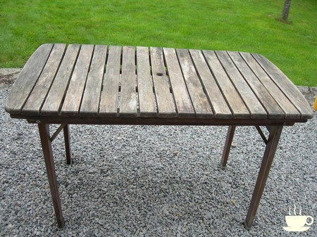 stunning nettoyer table de jardin en bois photos awesome interior home satellite. Black Bedroom Furniture Sets. Home Design Ideas