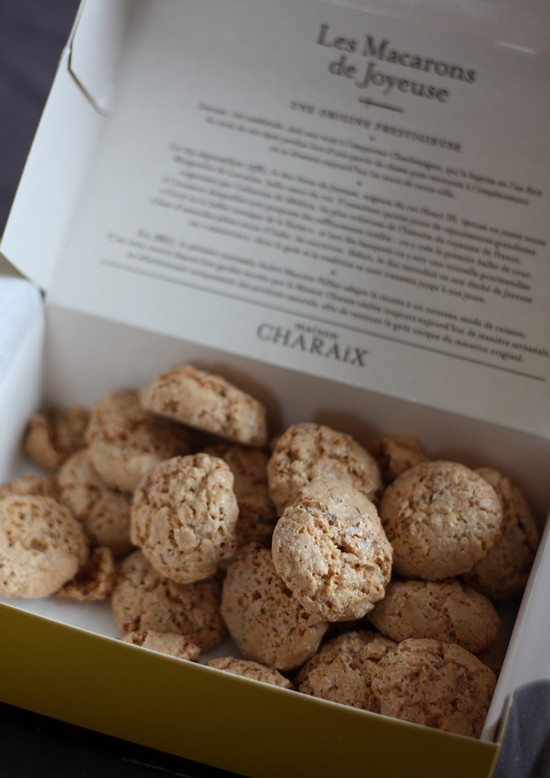 macarons de joyeuse - maison charaix