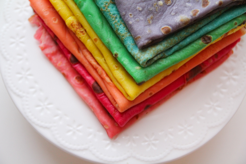 Rainbow crepes - chandeleur (cliquez sur l'image pour la recette)