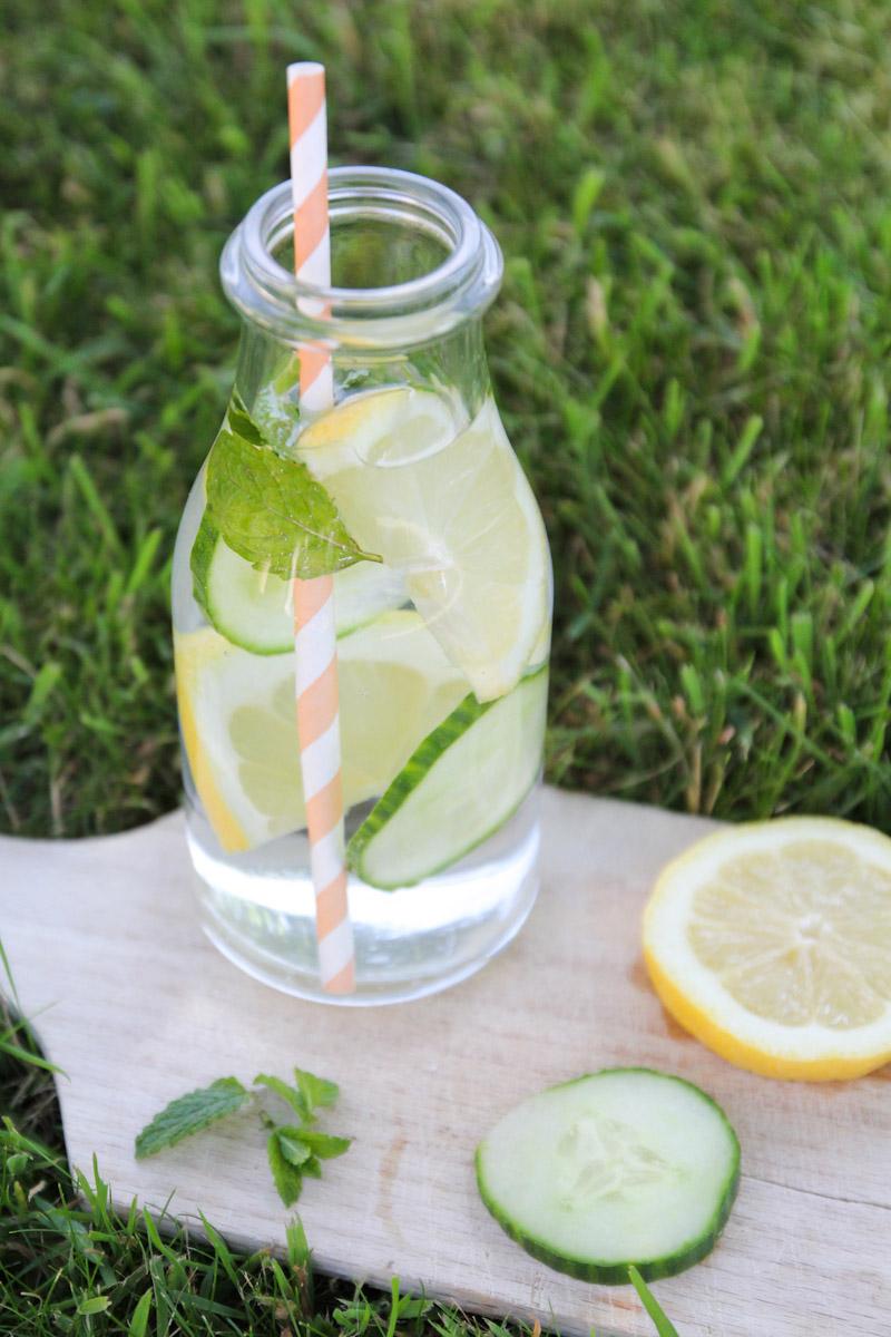 recette detox water concombre menthe citron merci pour le chocolat. Black Bedroom Furniture Sets. Home Design Ideas