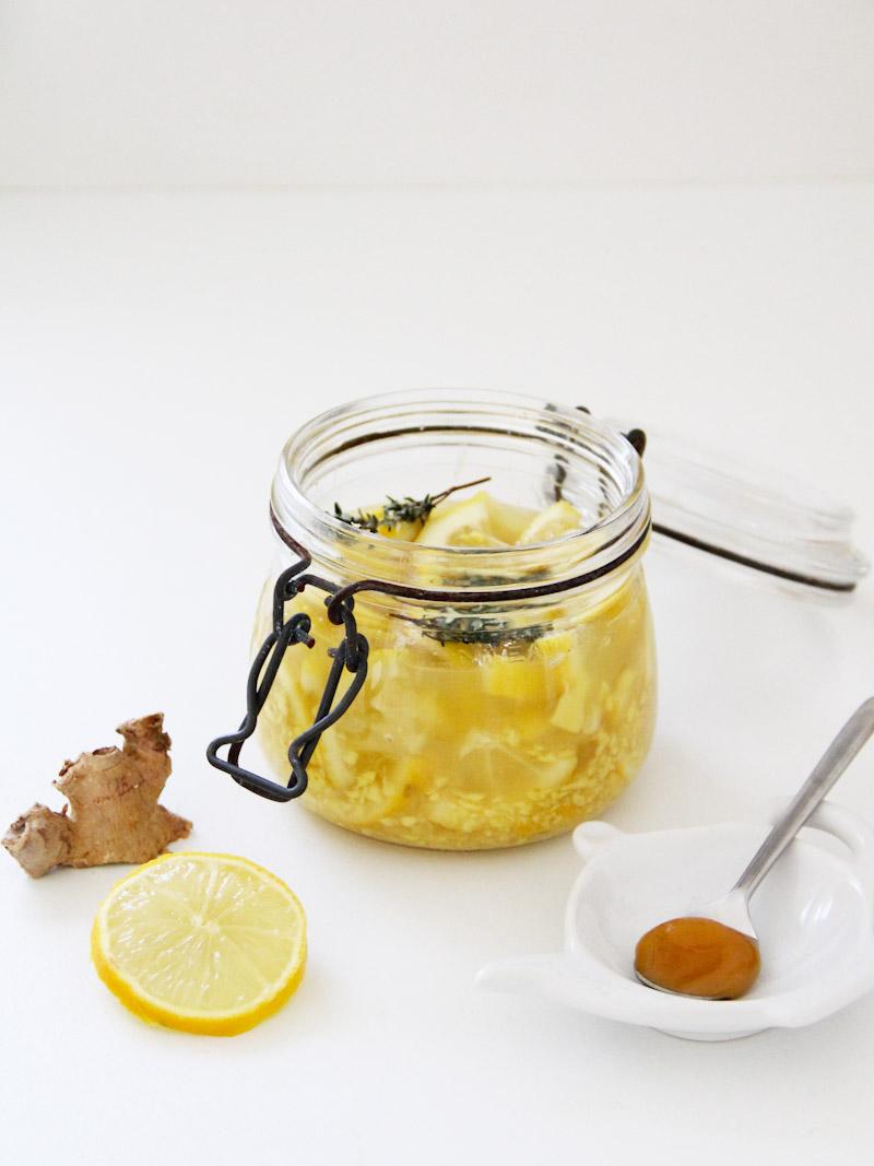 Recette facile potion magique thym miel citron gingembre pour résister à l'hiver ! (via mercipourlechocolat.fr)