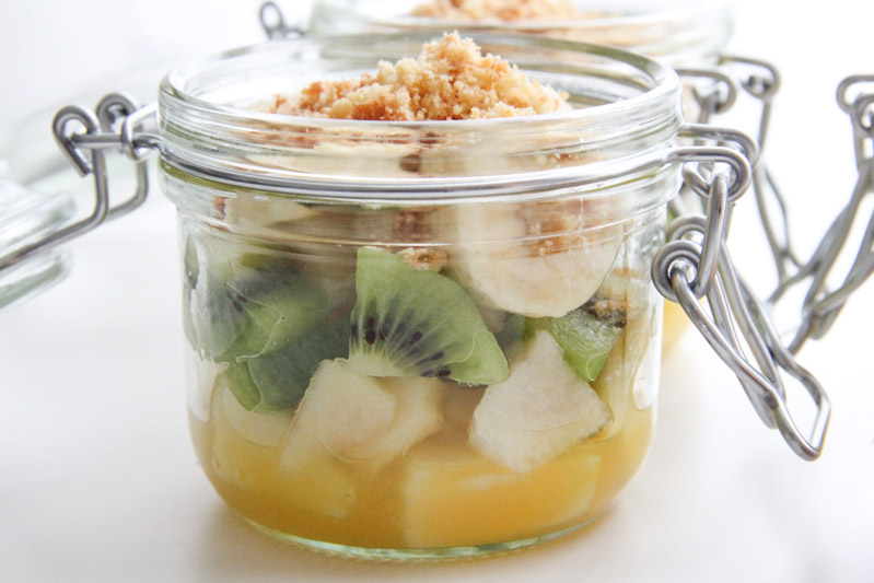 Recette salade de fruits bretonne in a jar (via mercipourlechocolat.fr)