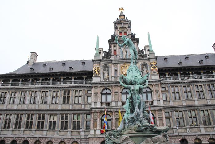 grand place Anvers Antwerp