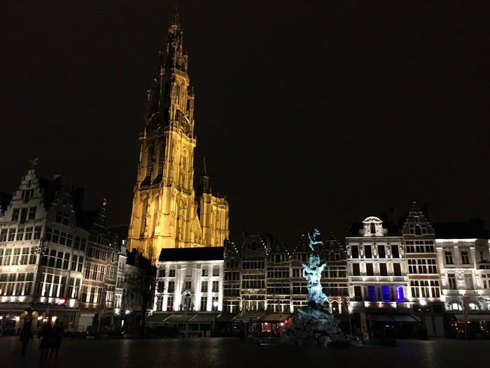 Anvers by night