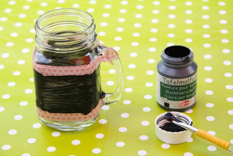 DIY cadeau pour les maîtresses : mug infuseur personnalisable (via www.mercipourlechocolat.fr)