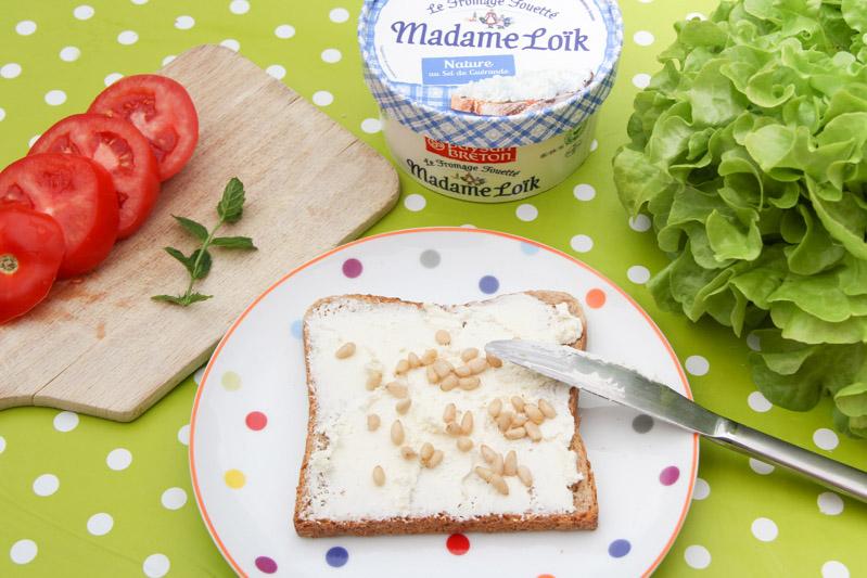 Recette club sandwich complet ultra-frais : tomate, salade, pignons de pin, menthe et fromage frais Madame Loik (via mercipourlechocolat.fr)