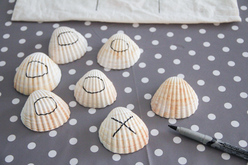 DIY jeu de morpion coquillages (via wonderfulbreizh.fr)