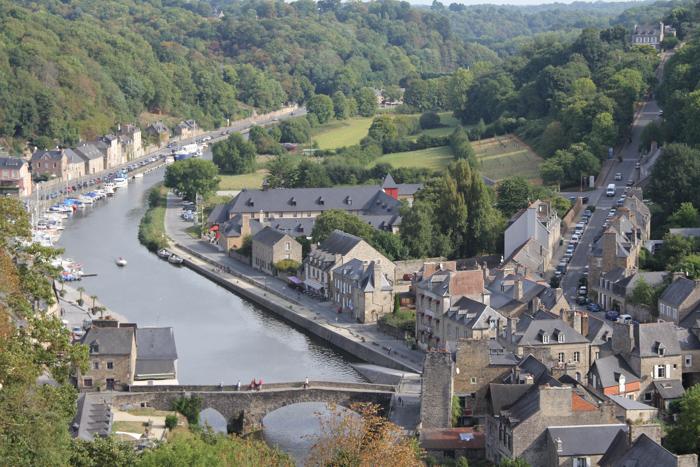 port de Dinan, cité médiévale Bretagne (via mercipourlechocolat.fr)