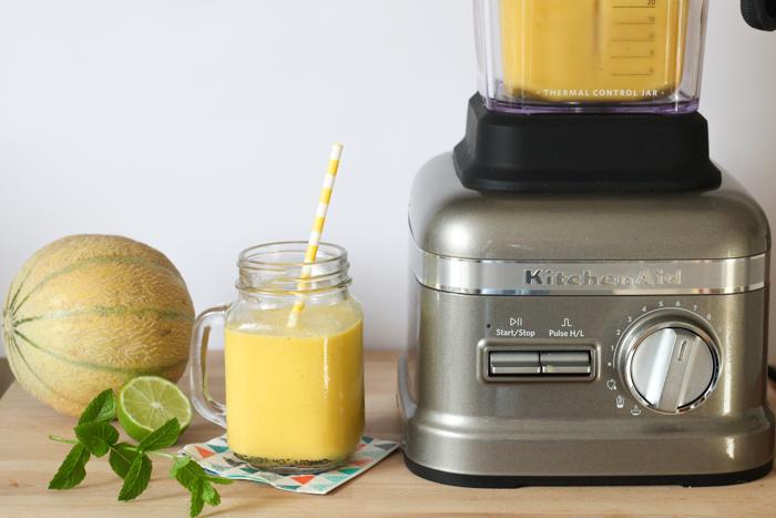 Gaspacho melon mangue citron vert (recette facile SuperBlender KitchenAid via www.mercipourlechocolat.fr)