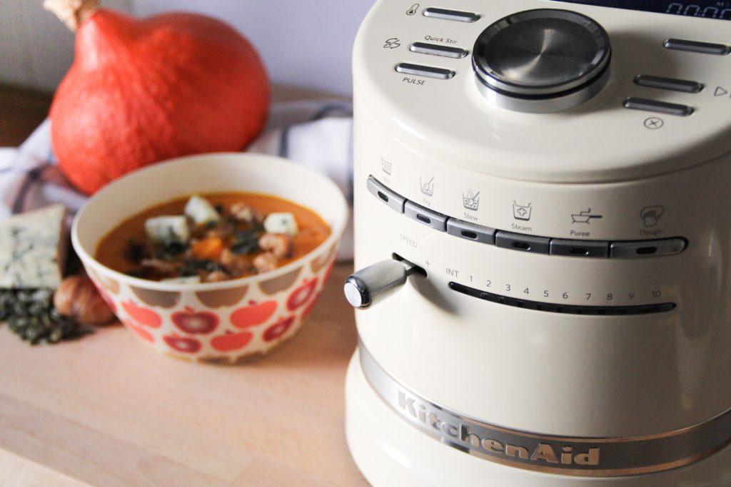 VELOUTÉ DE POTIMARRON, CHATAIGNES & FOURME D'AMBERT - recette facile et rapide au Cook Processor KitchenAid (via mercipourlechocolat.fr)