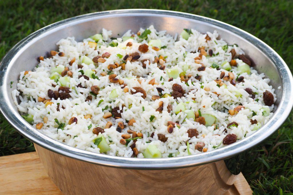 Salade de riz, coriandre, pignons de pin... - recette facile via mercipourlechocolat.fr
