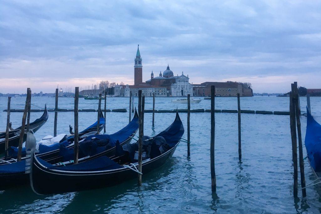 Venise - Blue Monday