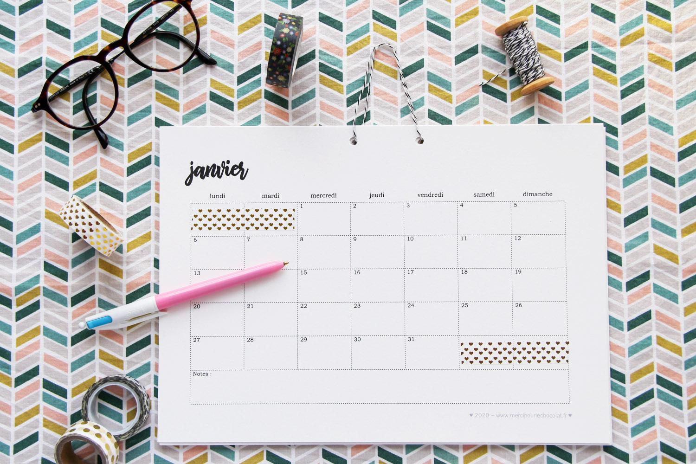 Calendrier annuel gratuit à télécharger   1 mois par page, à