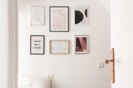 Créer un mur de cadres (via mercipourlechocolat X Dear Sam)