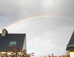 arc-en-ciel rainbow au-dessus de ma maison
