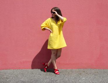 Couture - robe courte été MAE Fibremood double gaze coton jaune soleil